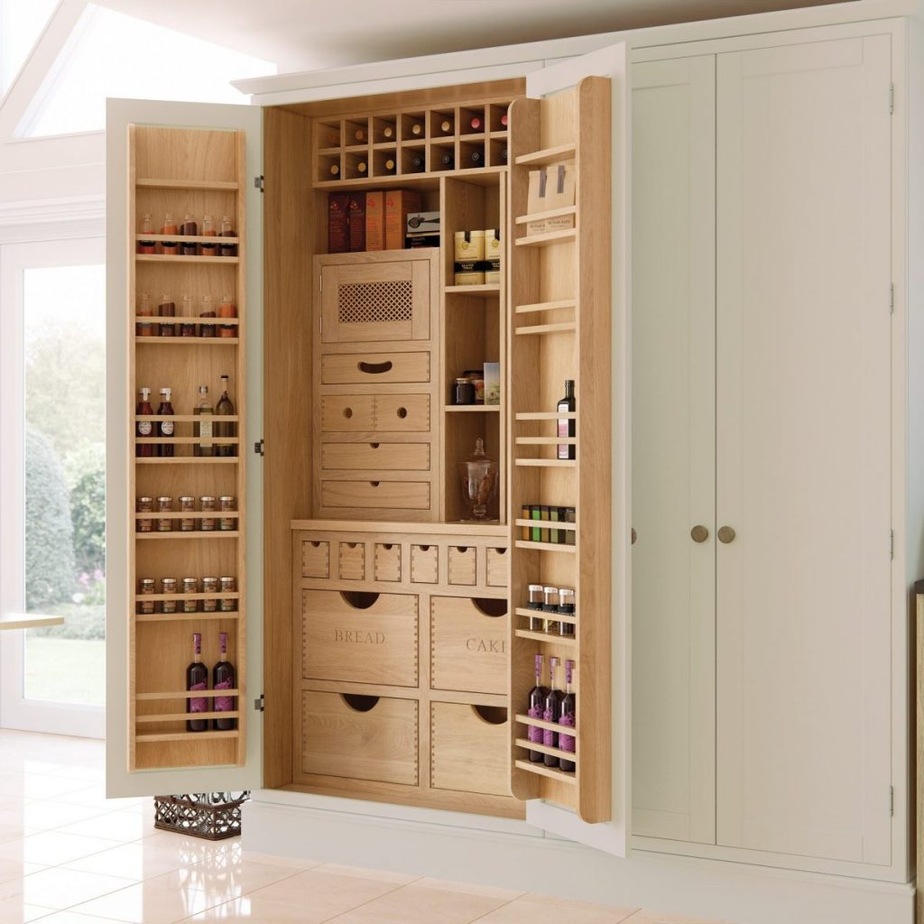 Built in bespoke larder in-frame painted cream kitchen | Kitchens france | custom made kitchen furniture Provence